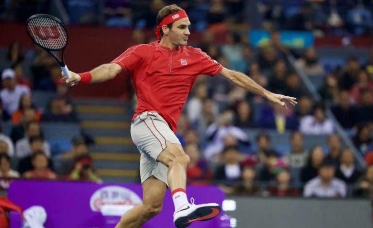 Federer derrota a Zverev en partido de exhibición en China, el último de 2019