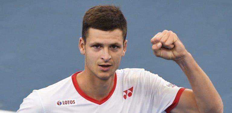 Hubert Hurkacz tiene una gran semana en la ATP Cup