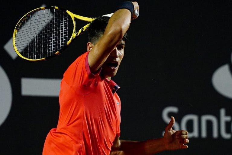 Carlos Alcaraz dice que su estilo se parece al de Roger Federer