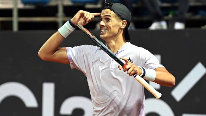 Federico Coria frena a la sorpresa del Río Open y clasifica a cuartos!