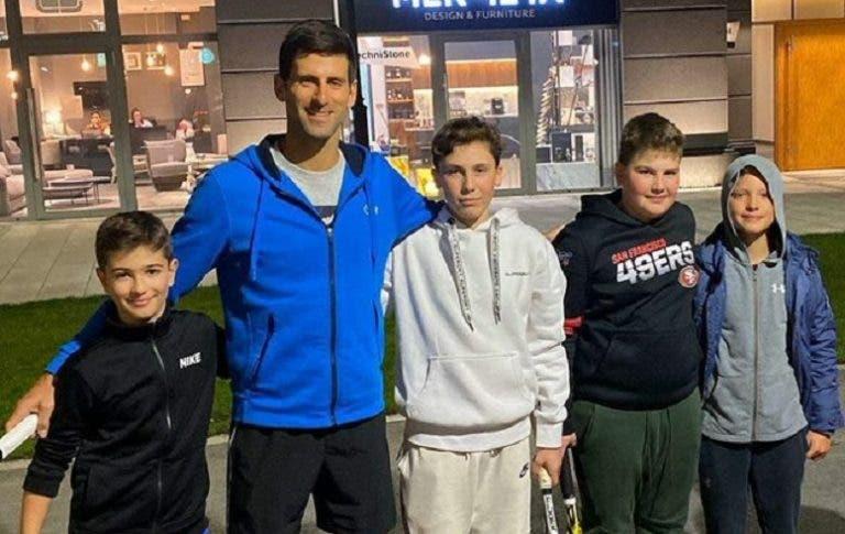 Djokovic: el tenista del circuito con corazón de niño