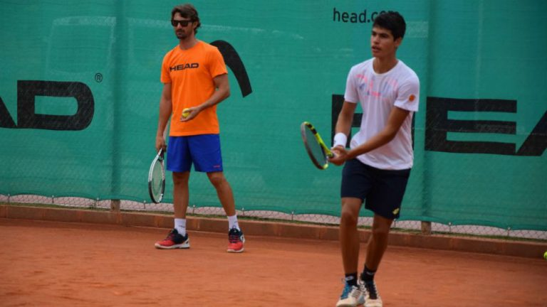 Juan Carlos Ferrero no oculta el orgullo que siente por su jugador