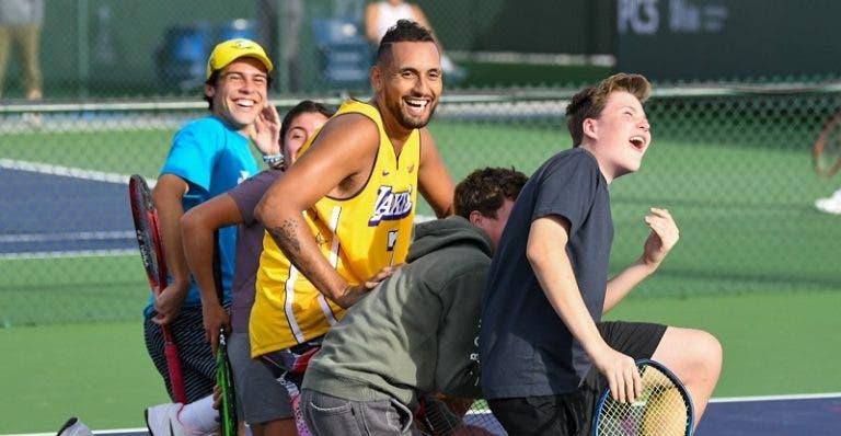 Kyrgios sorprendió a fanáticos durante un entrenamiento en Indian Wells