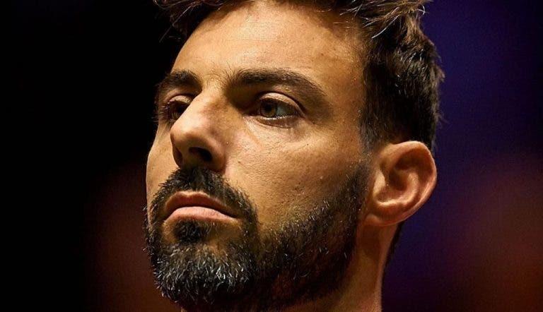 En España, a Granollers lo aborda la policía tres veces mientras entrenaba