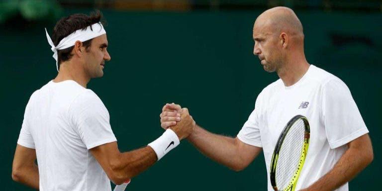 Entrenador de Roger Federer escoge el mejor revés del suizo