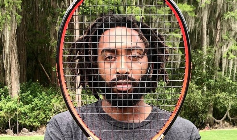 Tenista dice que prefiere jugar fuera de Estados Unidos debido al racismo