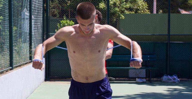 Borna Coric se recupera del coronavirus y vuelve a entrenar
