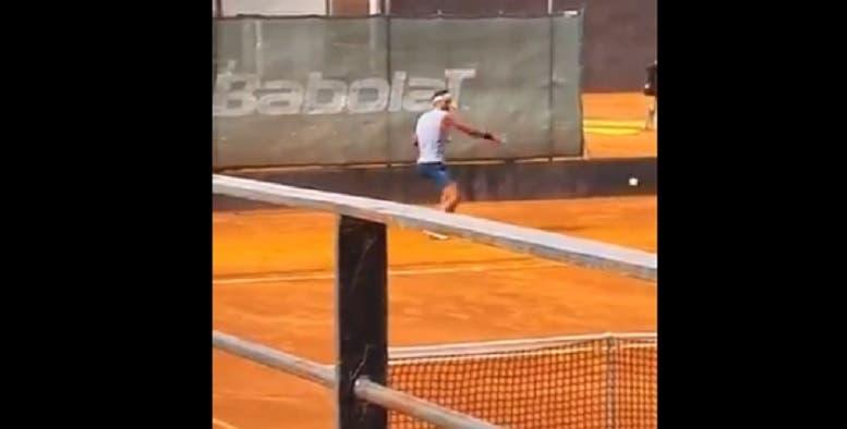 [VIDEO] Rafael Nadal vuelve a los entrenamientos sobre tierra batida