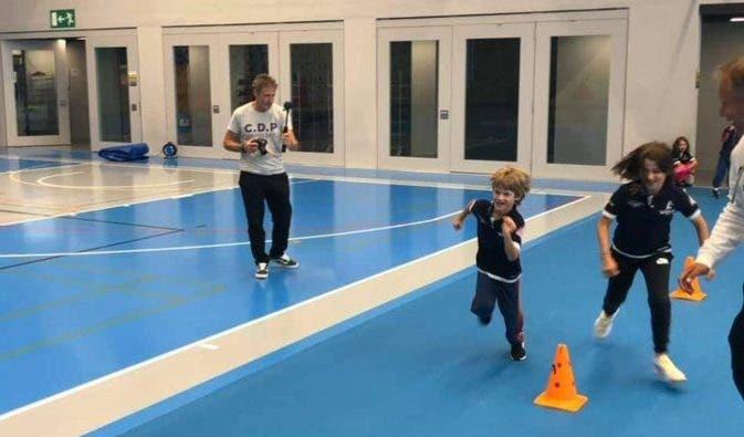 [FOTOS] Hijos de Federer se divierten en campamento de tenis