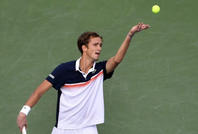 Medvedev pasa a los cuartos de final del Masters de Cincinnati