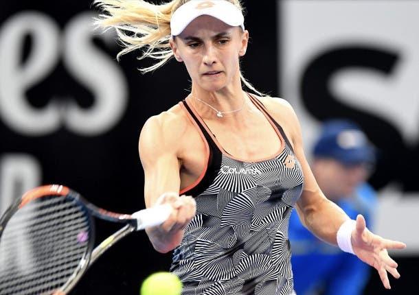 Resultados del WTA de Praga en los octavos de final con un retiro