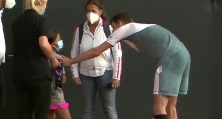 [VIDEO] El lindo gesto de Bublik, luego de golpear, sin querer, a recogepelotas