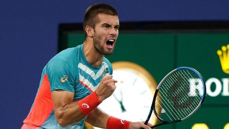 ¡Increíble! Coric da vuelta al juego y derrota a Tsitsipas en el US Open