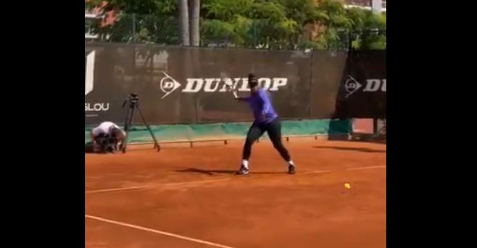 [VIDEO] Serena ya está entrenando sobre tierra batida en Francia