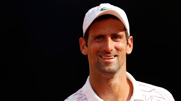 [VIDEO] '¡Juego, Federer!': árbitro se confunde y cambia nombre a Djokovic