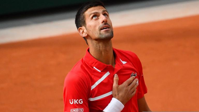 Djokovic no llega a su sesión de entrenamiento para las semifinales