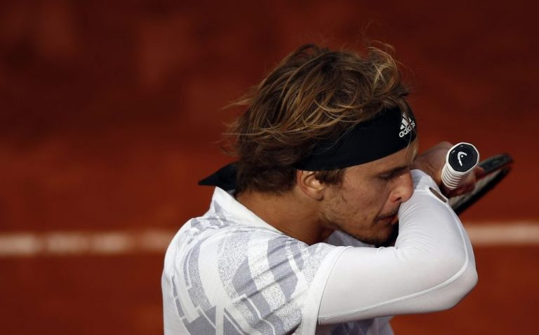 Zverev está enfermo y explica por qué perdió contra Sinner en Roland Garros